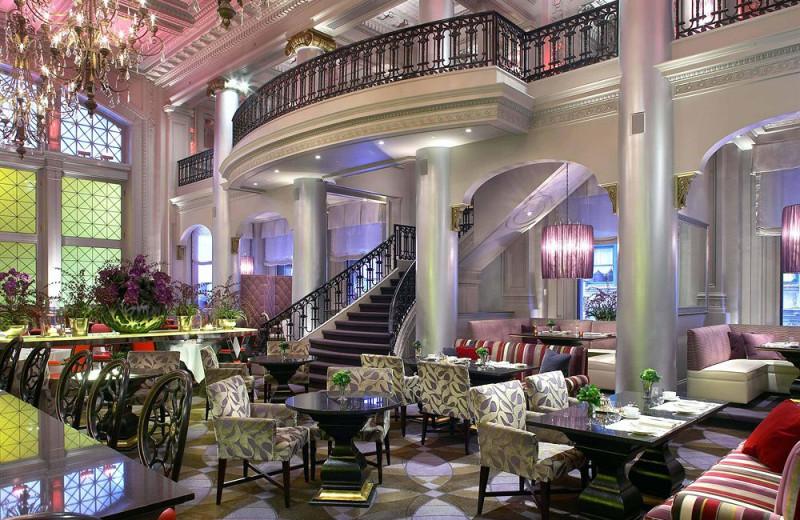 Lobby at Hotel Le St-James.
