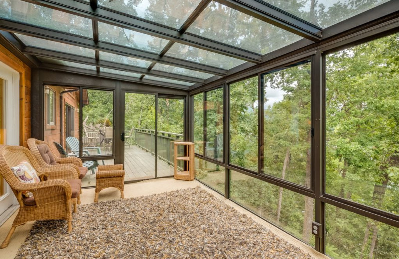 Rental sun room at Chattanooga Vacation Rentals.