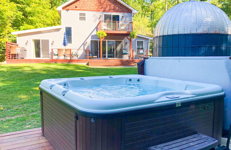 Rental hot tub at Northern Living - Luxurious Vacation Rentals.