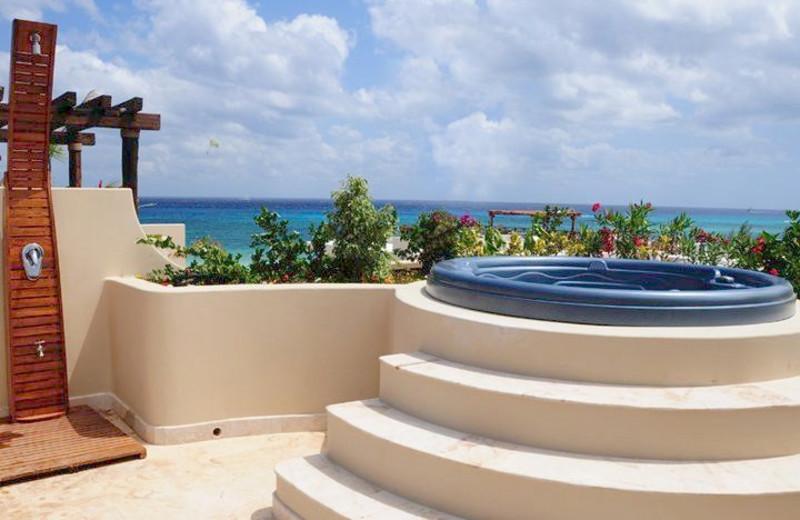 Balcony hot tub at Condo Hotels Playa Del Carmen.