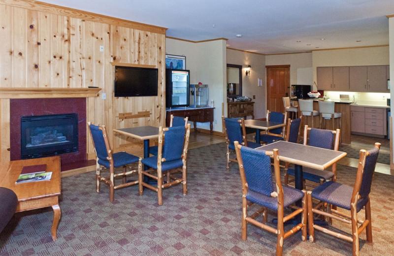 Dining at The Heathman Lodge.