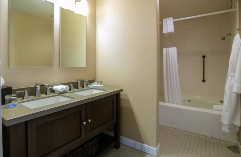 Guest bathroom at Cupertino Hotel.
