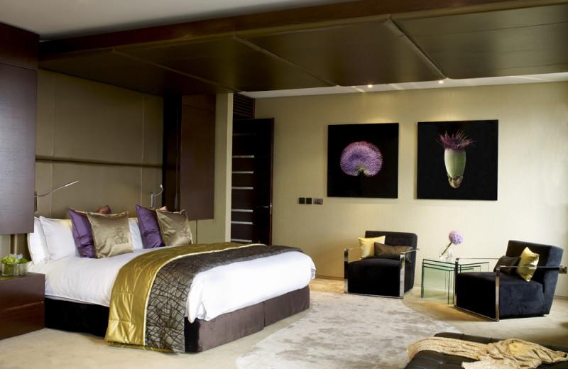 Guest room at Jumeirah Carlton Tower.