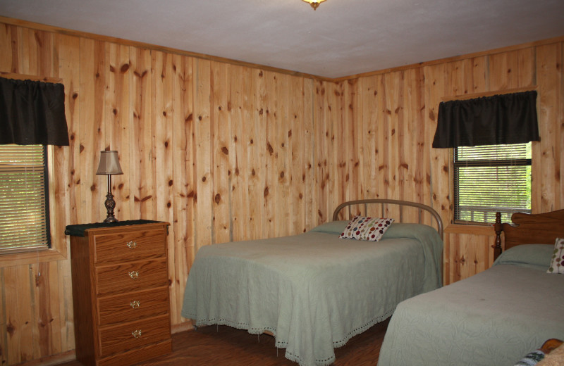 Deer Run bedroom at Heath Valley Cabins.