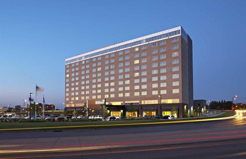 Exterior view of Hilton Bloomington.