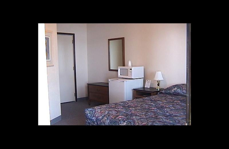 Guest room at Sakatah Bay Resort Motel.