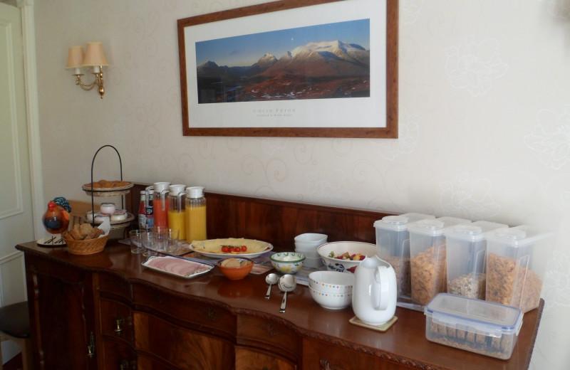 Breakfast at ArdconnelHouse.