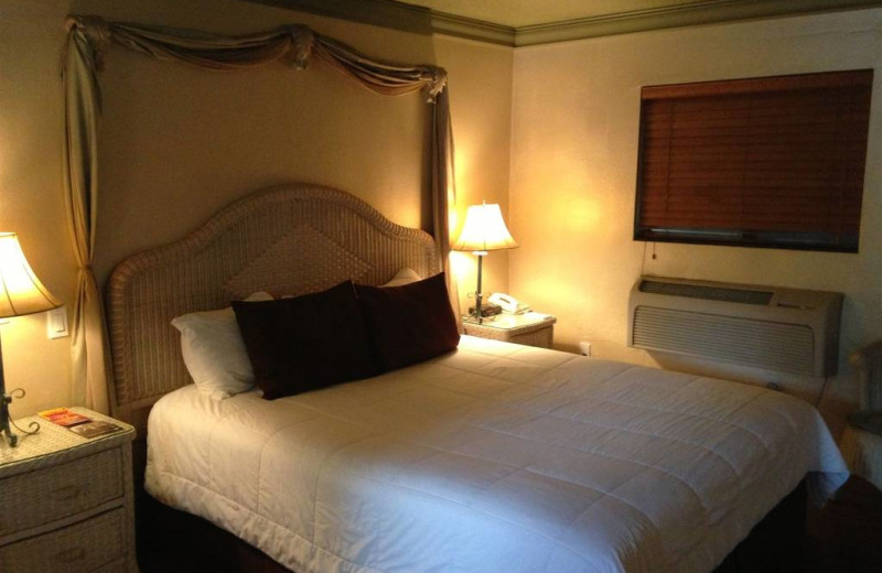 Guest bedroom at Old Creek Resort.