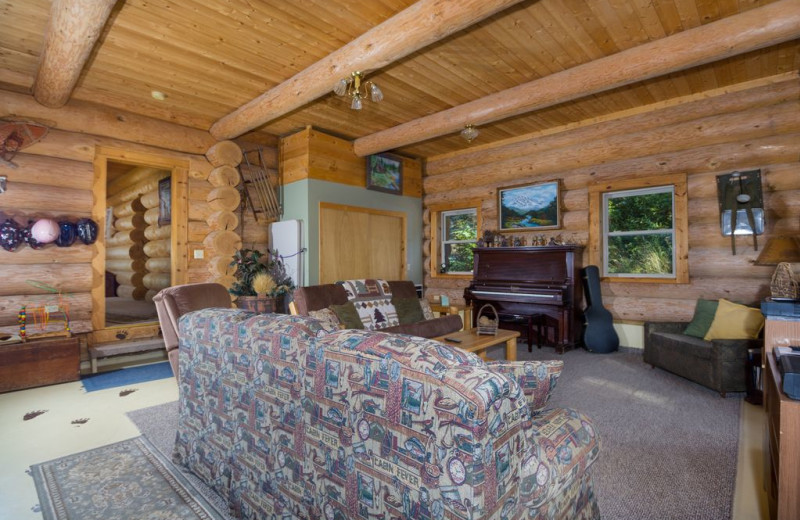 Guest living room at Bear Mountain Lodge.