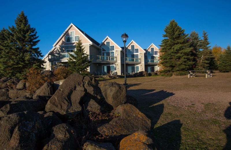 Exterior view of Cobblestone Cove Villas.