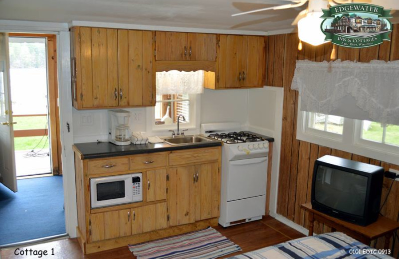 Guest kitchen at Edgewater Inn & Cottages.