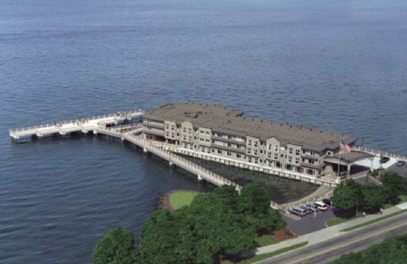 Exterior view of Silver Cloud Inn Tacoma.