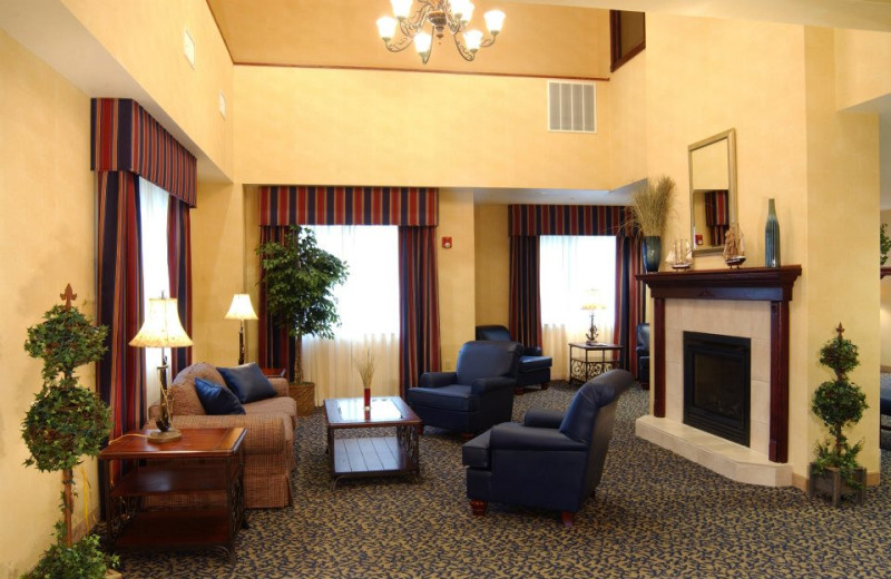 Lobby Area at Lake Geneva Comfort Suites