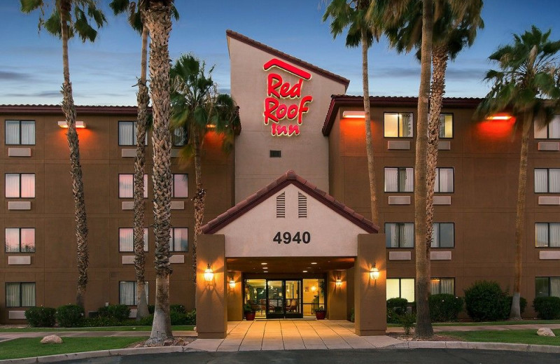 Exterior view of Red Roof Inn Tucson North.