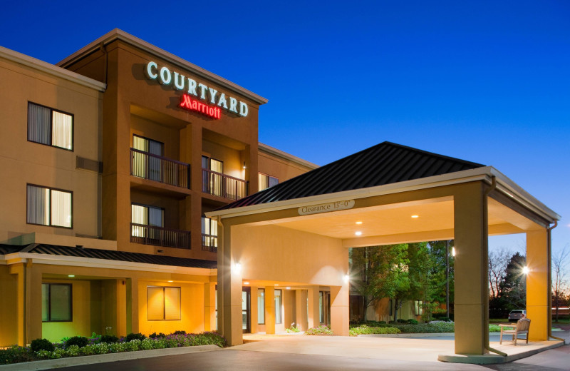 Exterior view of Courtyard by Marriott Toledo Rossford/Perrysburg.