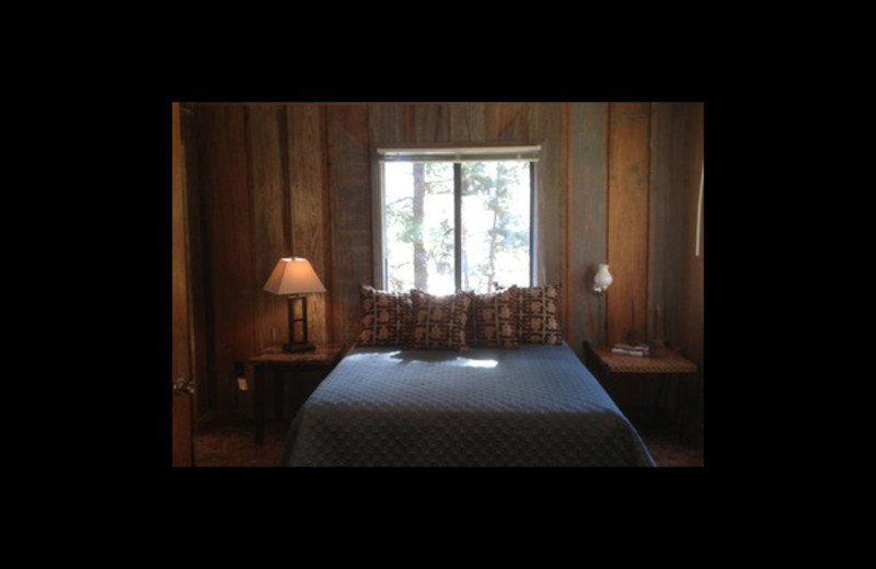 Rental bedroom at Elk Point Lodge.