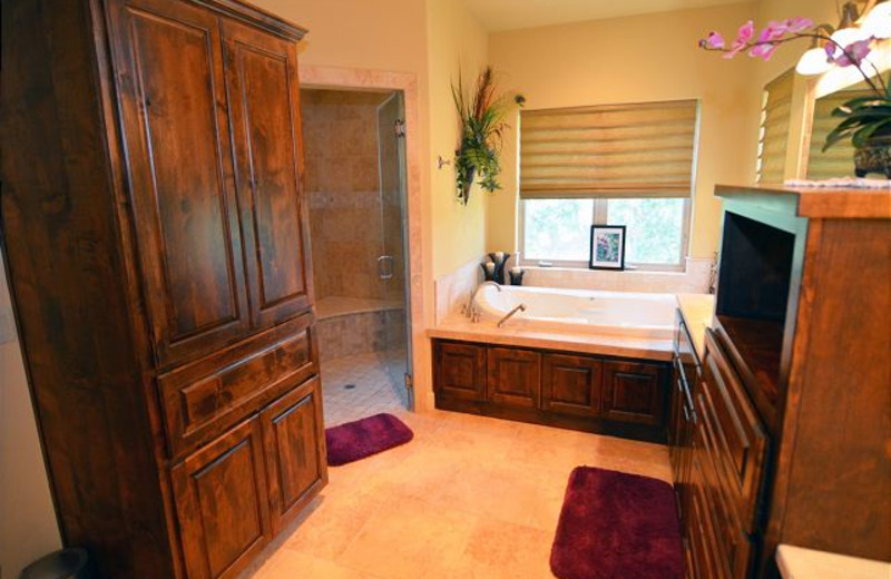 Rental bathroom at Lake Travis & Co.