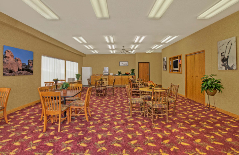 Breakfast room at Rushmore Express Inn & Family Suites.