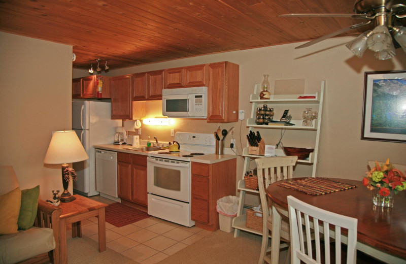 Guest kitchen and dining at Bay Point on the Lake.