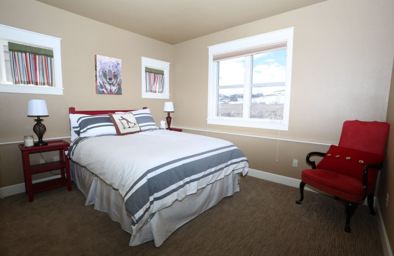 Rental bedroom at Alpine Getaways.