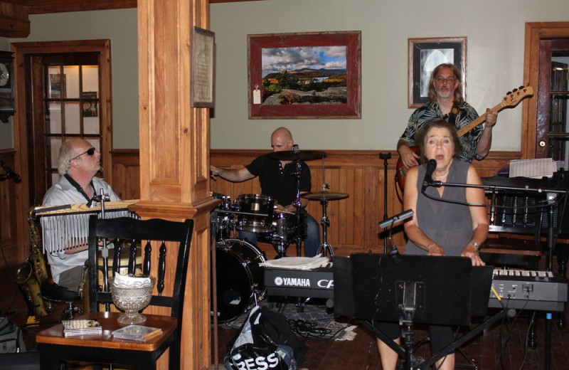 Live music at Hammo's Lodge.
