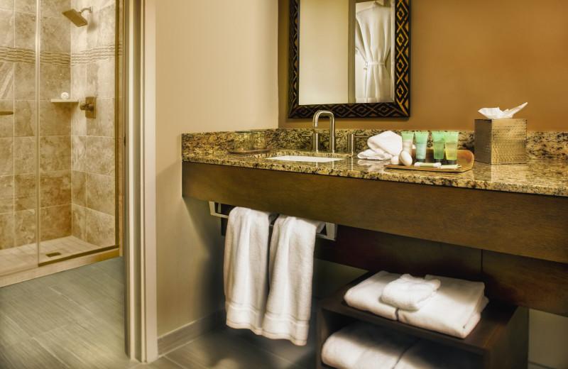 Guest bathroom at The Wigwam Resort.