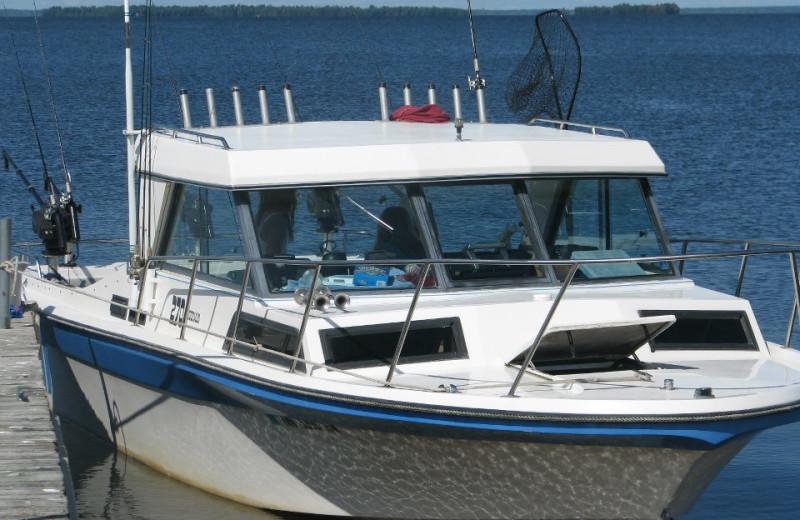 Boating at Ship's Wheel Resort.