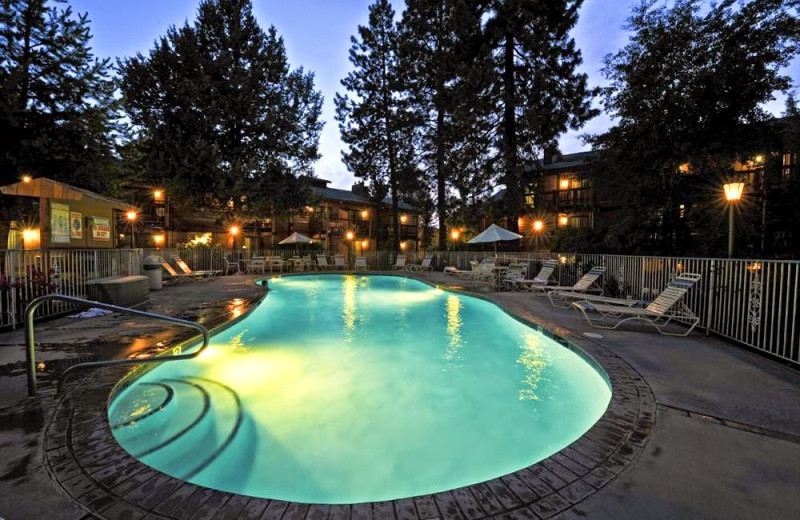 Outdoor pool at Shilo Inn Bend.
