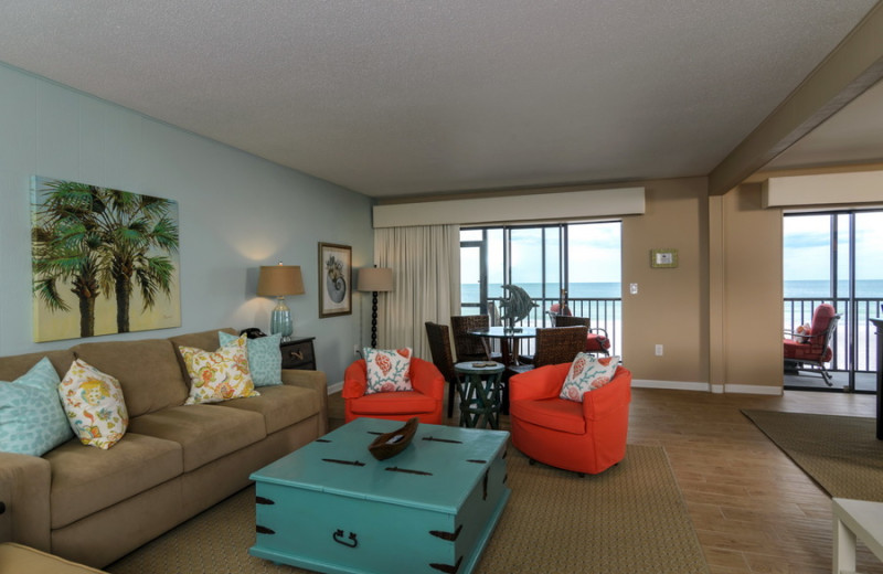 Rental living room at beachrentals.mobi. LLC.