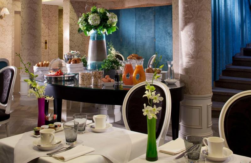 Dining at Hotel de Buci.