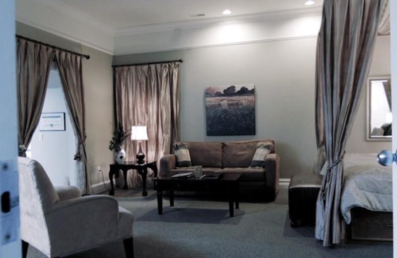 Guest room at Sawmill Creek Golf Resort & Spa.