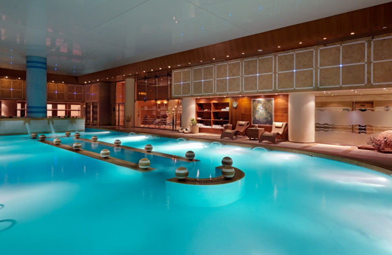 Spa pool at Divani Apollon Palace & Spa.