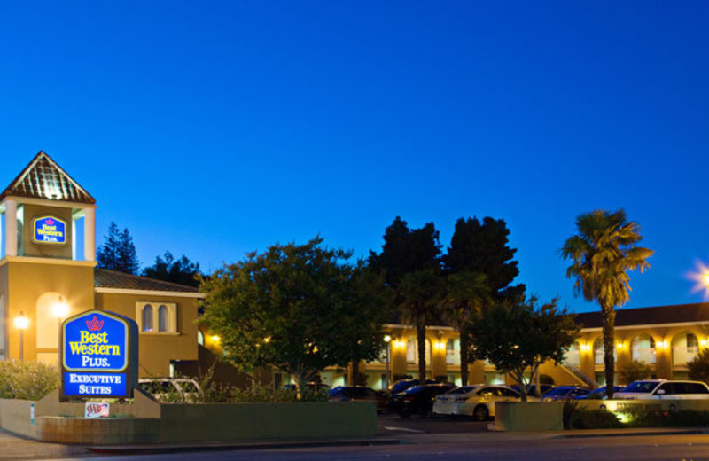 Exterior View of Best Western Plus Executive Suites