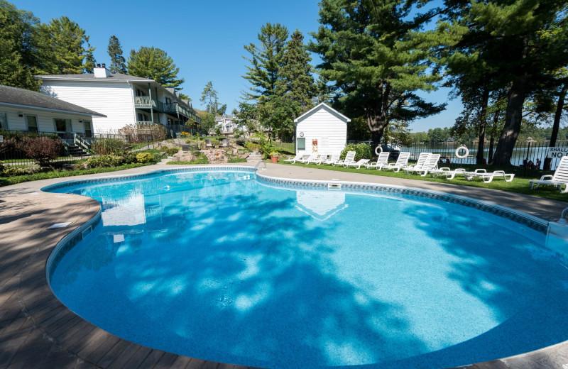 Outdoor pool at Bayview Wildwood Resort.