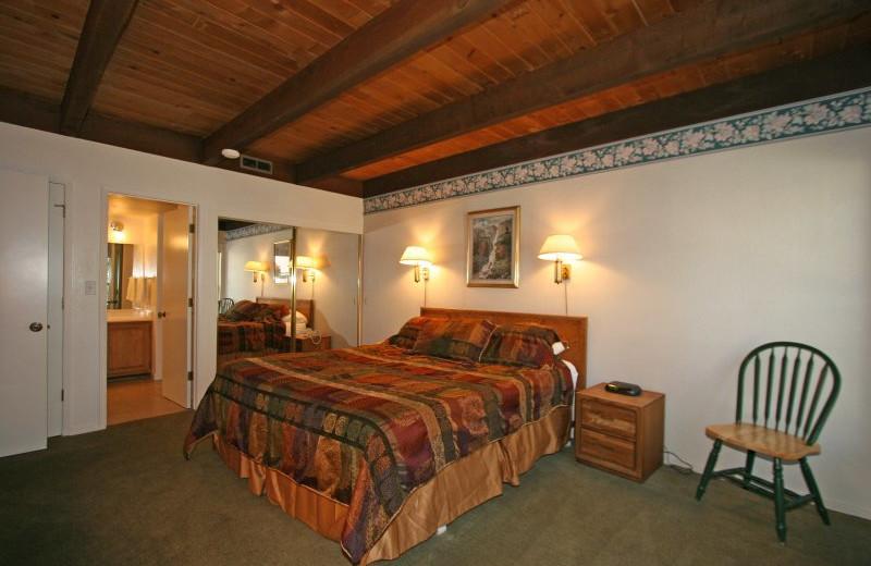 Guest bedroom at Aston Lakeland Village.