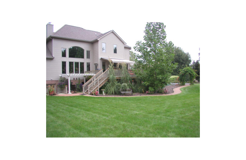 Exterior view of Canterbury Chateau Bed & Breakfast.