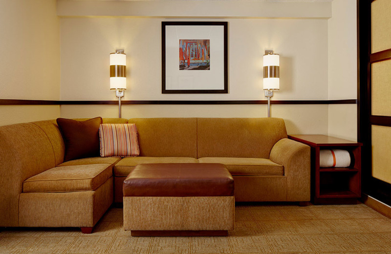 Guest room sitting area at Hyatt Place Fort Worth Hurst.
