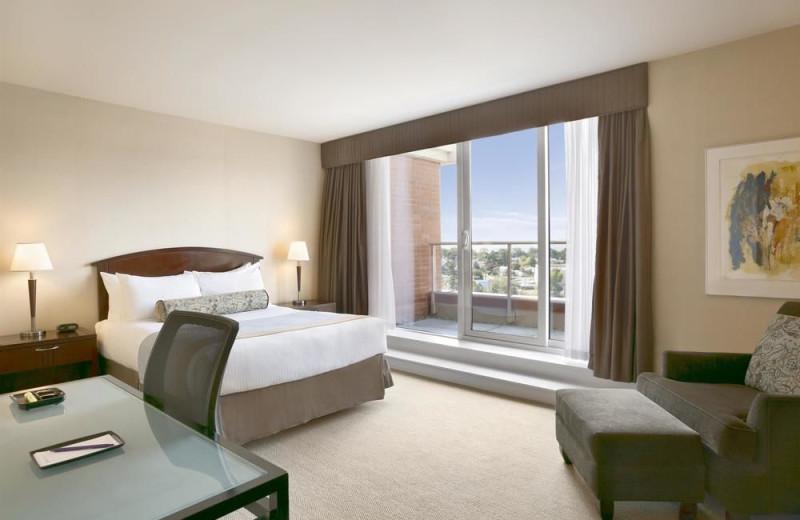 Guest room at Coast Victoria Harbourside Hotel & Marina.