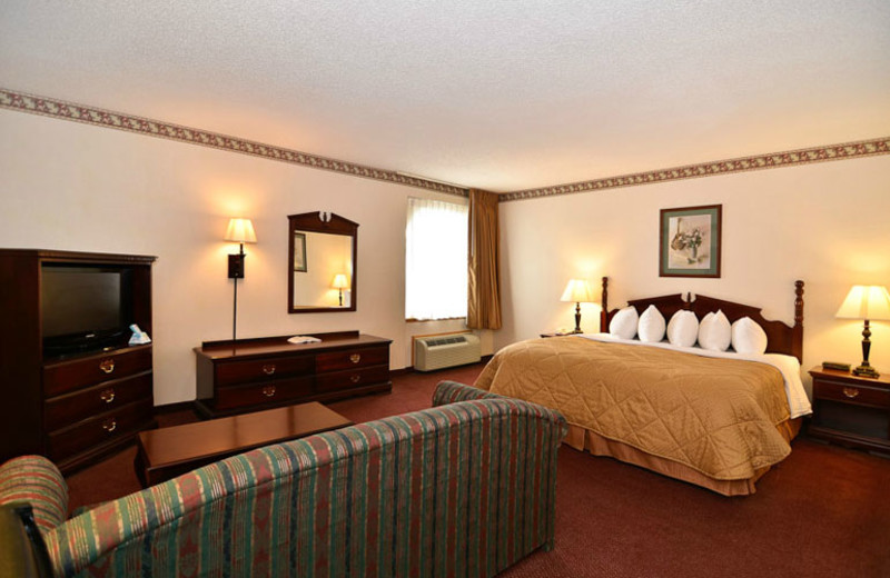 King Suite at Best Western Music Capital Inn