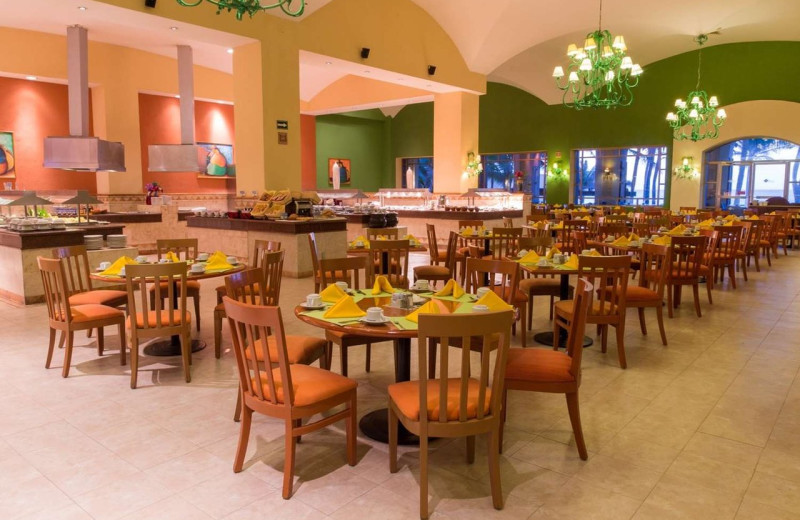 Dining at Royal Solaris & Club Solaris Resorts.
