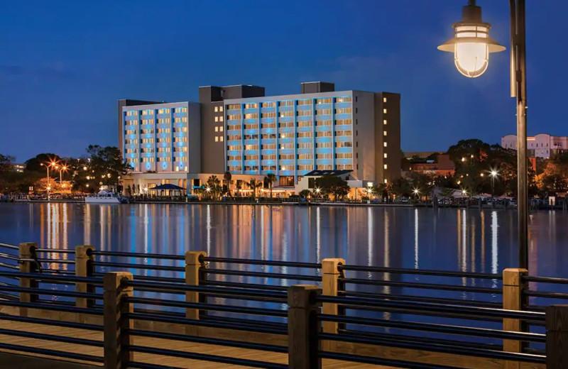 Exterior view of Hilton Wilmington Riverside.