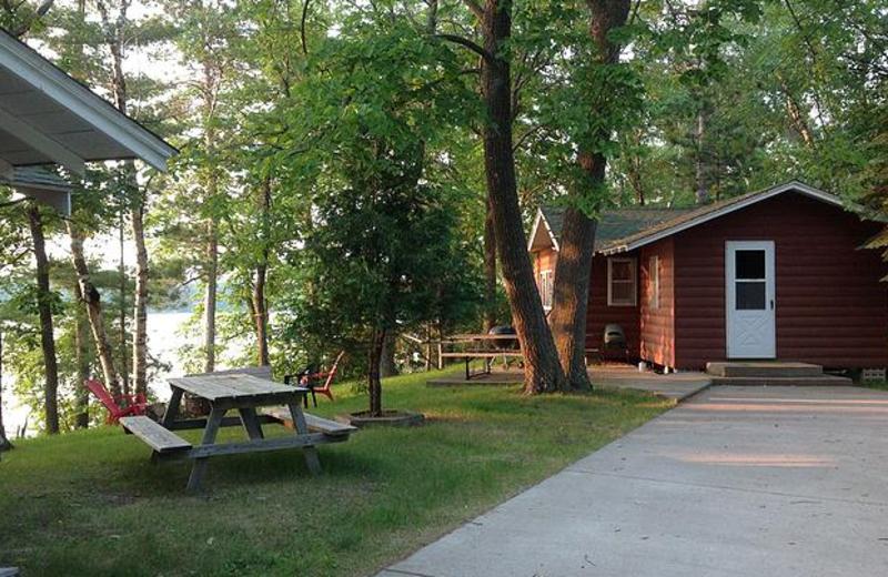 Cabin getaways at Beauty Bay Lodge & Resort