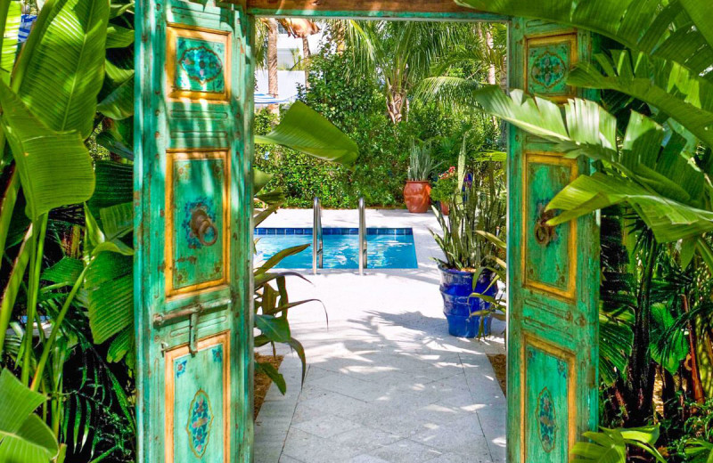 Entrance to pool at Parrot Key Resort.