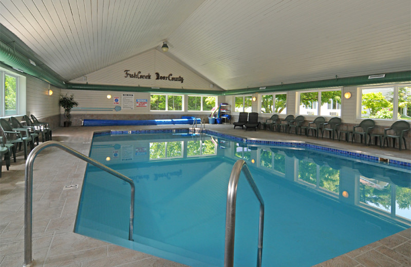 indoor pool at parkwood lodge
