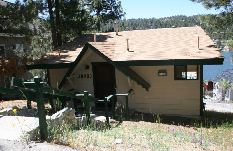 Cabin exterior at Honey Bear Lodge & Cabins.