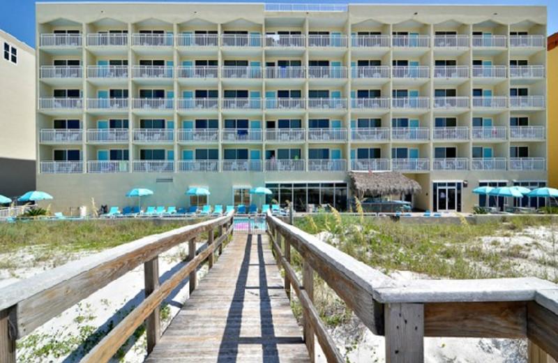 Exterior view of Best Western Fort Walton Beachfront Hotel.