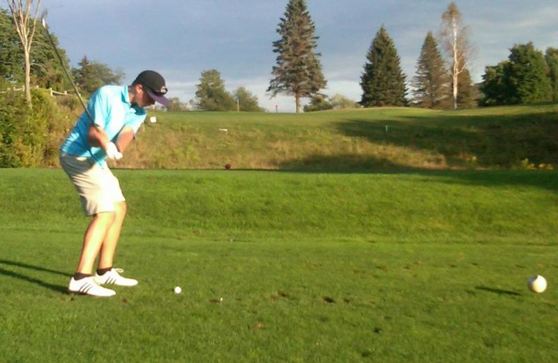 Playing golf at Hotel Vienna.