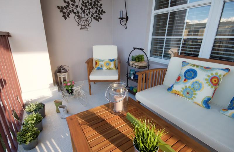 Guest patio at Orlando Luxury Escapes Vacation Rentals.