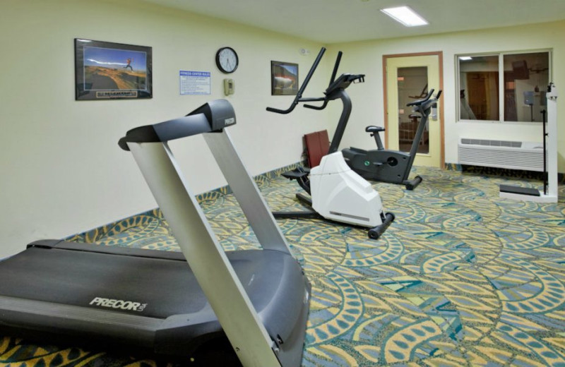 Fitness room at Branson 76 Central Holiday Inn Express.