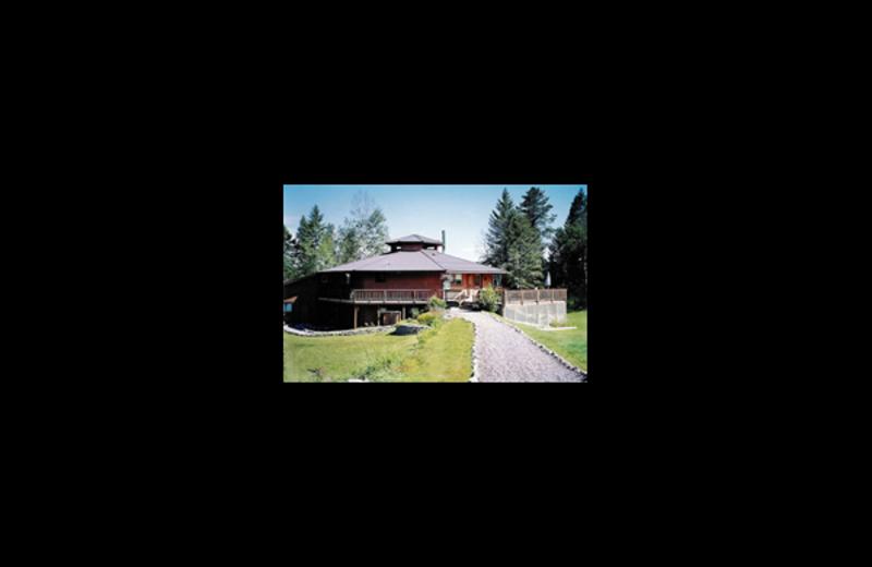 Exterior view of Glacier Park Inn Bed & Breakfast.